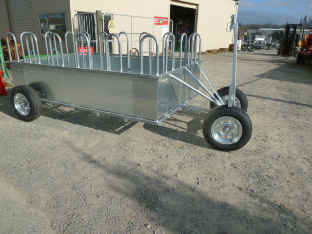 Additional feeder mobile double axle fully enclosed